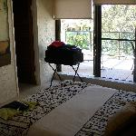 Cosy main bedroom with ensuite and walk in robe