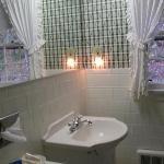 Bathroom Sink in Brookside Double Queen Room