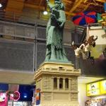 lego statue of liberty, toys-r-us, times square