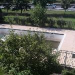 nice pool - no deep end!