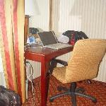 "Work Desk ""Ergonomic"" Chair Free WI-FI"