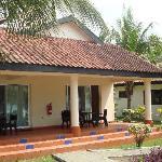 Notre bungalow et sa terrasse (2)