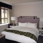 Suite 910 bedroom