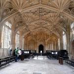 Dentro da Divinity School - Uma das locações de Harry Potter