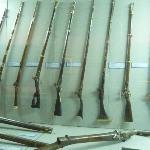 銃。一番左は何気にトルコのマークの装飾が。