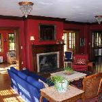 The Hanson Country Inn Photo