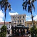 Plaza Abdon Calderon