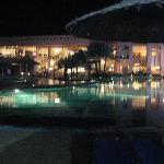 Main building di sera