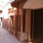 La puerta del Riad Clementine