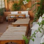 La terrasse pour le petit déjeuner