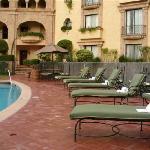 sun beds& pool