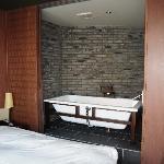 The bath, premier suite
