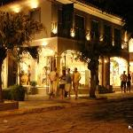 Rúa das Pedras a noite, muito charmosa