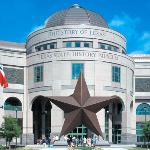 """Vista del Museo Historico de Texas """"Bob Bullock"""""""