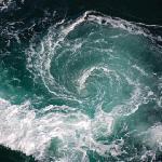 真上から見た渦潮