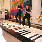BIG piano show at F.A.O. Schwarz NY