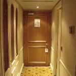 Entrée de la chambre 407