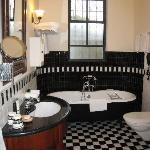 Pasha suite bath