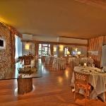 Photo of Hotel Cresta et Duc