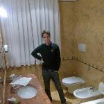 Il bagno a cinque stelle (penso che finita la ristrutturazione di tutti i settori quest'hotel si