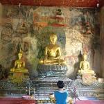 phousi hill temple