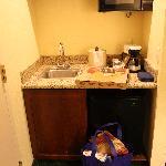 Room #515, mini 1/2 kitchen area.