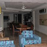Living Rm,Dining Rm & Kitchen Area