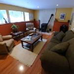 Guest Lounge, Futon