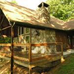 #951 Cuddlers' Cabin