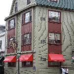 Exterior of the America's Cup Inn