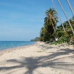 plage de sable fin déserte