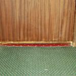 gap under door