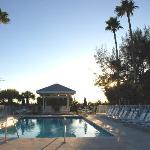 Wicker Inn pool at sunset Nov2009