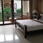 Großes Schlafzimmer (Whirlpool auf dem Balkon)