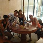 Lili, Borja, Mariel and Ana (Vantaggio)