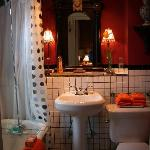 Private Guest Room Victorian Bath