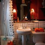 Private Guest Room Victorian Bath
