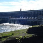 Esta es la represa de Itaipu (piedra que canta).