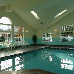 Lovely pool / spa and workout room