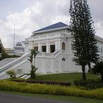 Istana lama side view