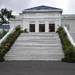Istana lama - grand entrance
