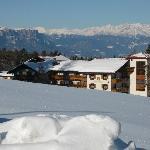 vista dell'hotel dalla pista da sci