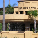 Atrium Hotel at Orange County Airport Foto