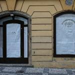 Charles Bridge B&B reception looks completely closed (like a bankrupt business). A no informatio