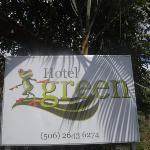 Un lindo hotelito en Jaco, apartadito del bullicio pero a un brinco del centro, en Quebrada Seca