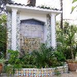 The beautiful garden of Hotel El Djazair