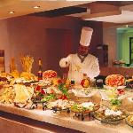 buffet chef at work