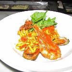 Linguini pasta with shrimp and mussels