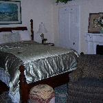 Main bedroom of Floraville East