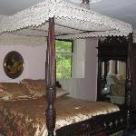 The Canopied Bed